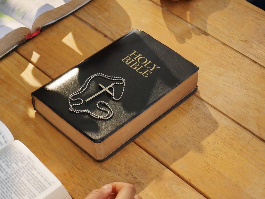 la biblia y la magia